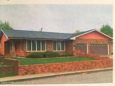 Cut Bank Single Family Home For Sale: 309 13th Avenue South East