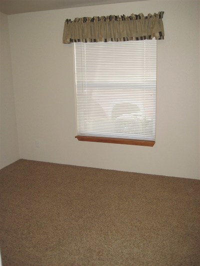 Jefferson County Single Family Home For Sale: 300 Friend Spring