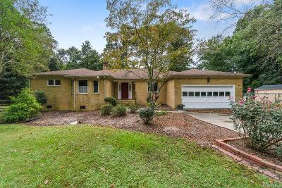 Pasquotank County Single Family Home For Sale: 1207 Little River Drive