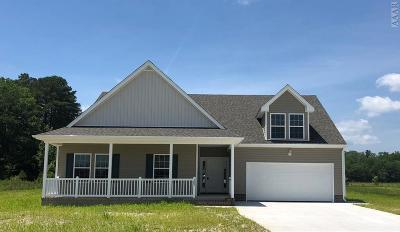 Currituck County Single Family Home For Sale: 103 Holly Ridge Drive