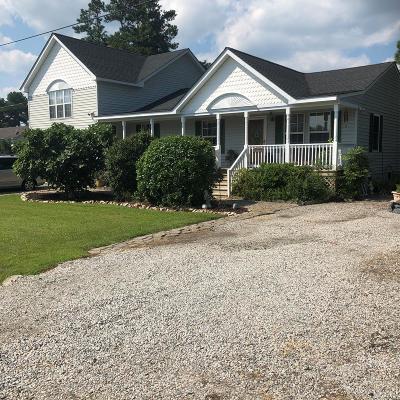 Moyock Single Family Home For Sale: 104&106 Croaker Street
