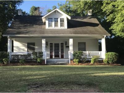 Burlington Single Family Home For Sale: 914 W Front St