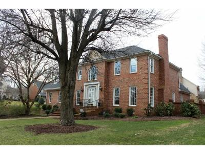 Burlington Single Family Home For Sale: 3304 Carriage Place
