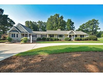 Burlington Single Family Home For Sale: 2502 Saddle Club Rd