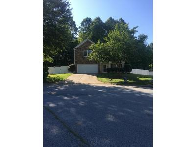 Graham Single Family Home For Sale: 1613 Bancroft Ct