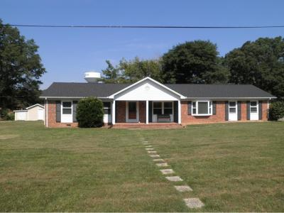 Burlington Single Family Home For Sale: 1305 Berkshire Rd