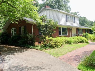 Shelby Single Family Home For Sale: 405 Forest Hill Drive