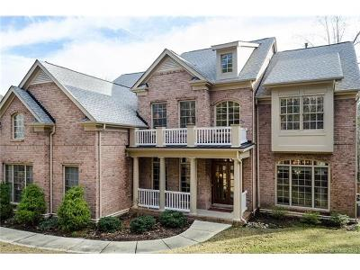 Tega Cay Single Family Home For Sale: 2084 Lake Forest Drive