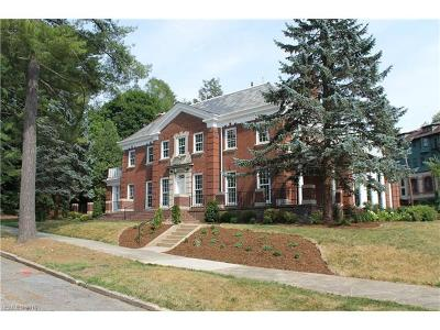 Asheville Condo/Townhouse For Sale: 1 Sunset Parkway #Residenc