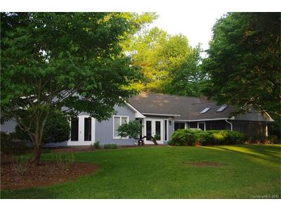 Lake Wylie Single Family Home For Sale: 8 Fairway Ridge