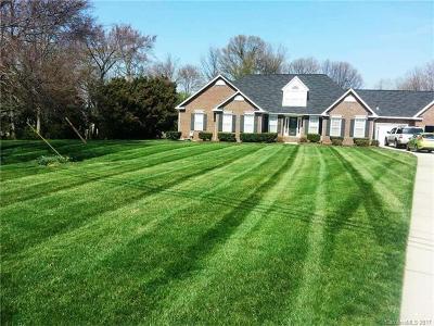 Cornelius Single Family Home For Sale: 7541 Norman Island Drive