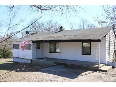 Stanley Single Family Home For Sale: 700 E Chestnut Street