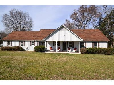 Huntersville Single Family Home For Sale: 12027 Eastfield Road