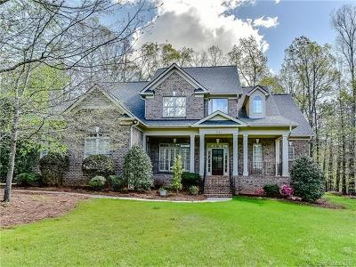Matthews Single Family Home For Sale: 7010 High Oak Drive