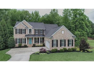 Mount Holly Single Family Home For Sale: 500 Stonewater Bay Lane