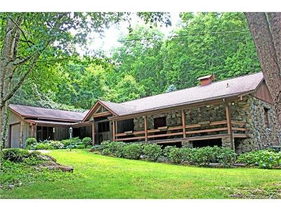 Waynesville Single Family Home For Sale: 200 Crosscreek Road