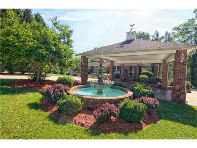 Single Family Home For Sale: 470 Deer Lake Run