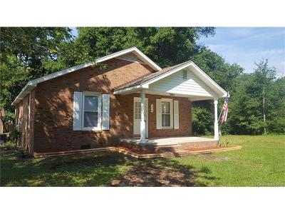 Mount Holly Single Family Home For Sale: 106 Davenport Road