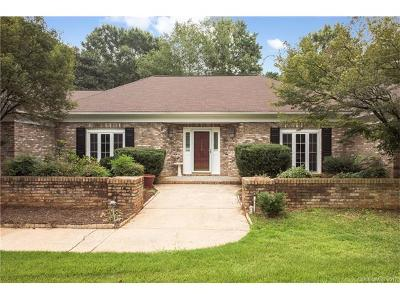 Single Family Home For Sale: 668 Cottonfield Circle