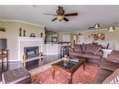 Cornelius Condo/Townhouse For Sale: 18525 Harborside Drive #Unit 8/