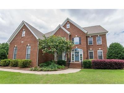 Regent Park Single Family Home For Sale: 816 Hickory Stick Drive #27