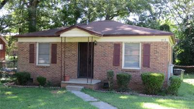 Single Family Home Under Contract-Show: 2712 Catalina Avenue #16