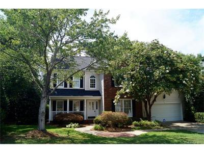 Charlotte Single Family Home For Sale: 8818 Kingston Forest Drive