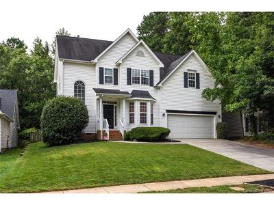 Huntersville Single Family Home For Sale: 9922 Glencrest Drive