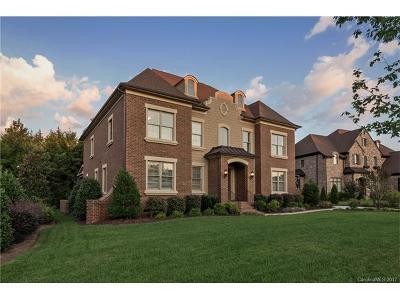 Longview Single Family Home For Sale: 225 Glenmoor Drive