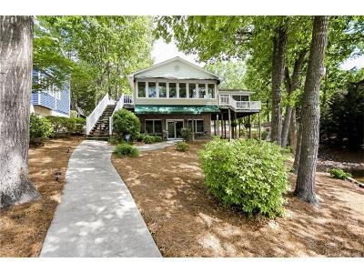 New London Single Family Home For Sale: 162 N Shoreline Drive