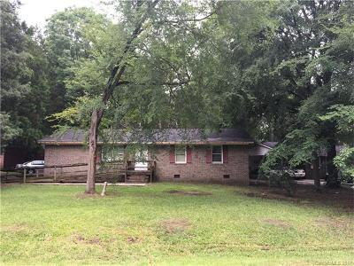 Chester Single Family Home For Sale: 563 Roundtree Circle