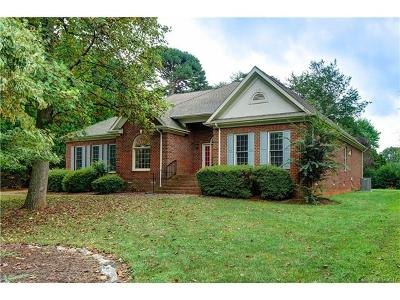 Mooresville Single Family Home For Sale: 124 Sapphire Drive