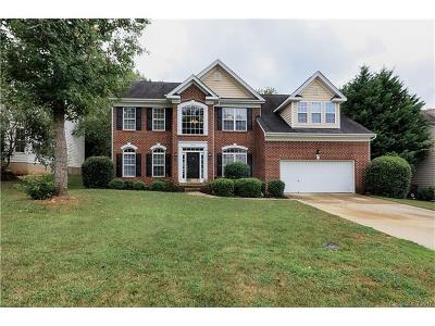 Denver Single Family Home For Sale: 7446 Mountain Ridge Drive