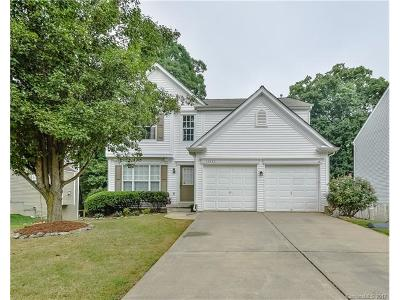 Huntersville Single Family Home For Sale: 13423 Norseman Lane