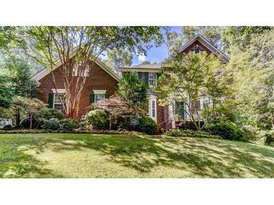 Single Family Home For Sale: 1345 Whispering Oaks Circle
