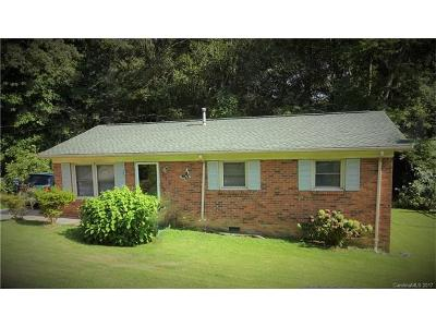 Mooresville Single Family Home For Sale: 325 Cabarrus Avenue