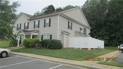 Charlotte Condo/Townhouse For Sale: 9620 Littleleaf Drive