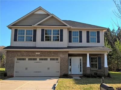 Mount Holly Single Family Home Under Contract-Show: 124 Taylors Creek Street #169