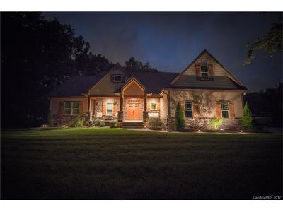 Huntersville Single Family Home For Sale: 9935 Beatties Ford Road