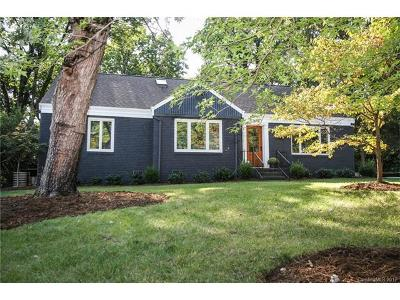 Charlotte Single Family Home For Sale: 2679 Idlewood Circle