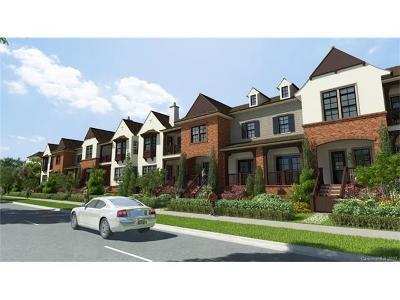 Charlotte Condo/Townhouse For Sale: 3014 Fairview Villa Court #15