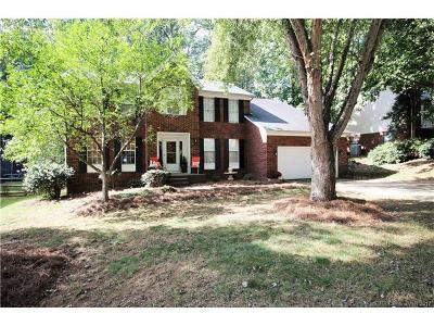 Huntersville Single Family Home For Sale: 8922 Sutherland Drive