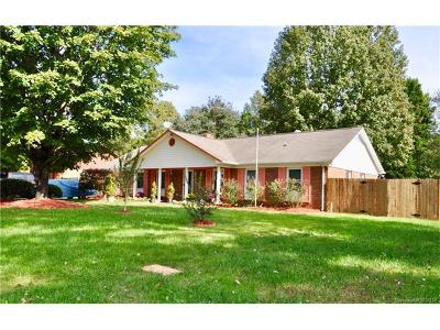 Charlotte Single Family Home For Sale: 3212 Cross Winds Road