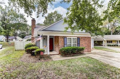 Charlotte Single Family Home For Sale: 2402 Dryden Lane