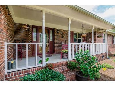 Harrisburg Single Family Home For Sale: 2506 Nancy Lane
