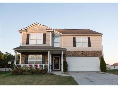 Huntersville Single Family Home For Sale: 10908 Thousand Oaks Drive