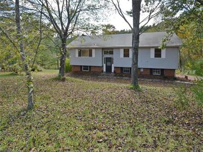Leicester Single Family Home For Sale: 9 Trails End