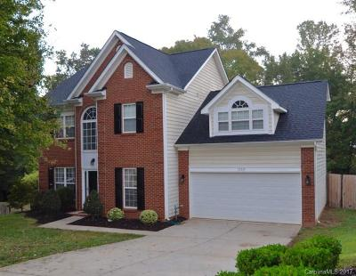 Charlotte Single Family Home For Sale: 13319 Woodland Farm Drive