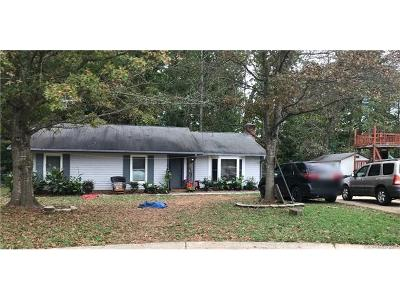 Charlotte Single Family Home For Sale: 6207 Riverton Court