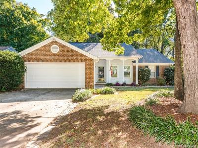Charlotte NC Single Family Home For Sale: $192,000